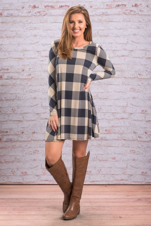 Blue-and-White-Checkered-Dress Casual Outfits for Women - 23 Cute Dresses for Casual Look