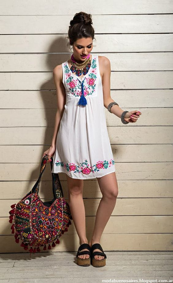 Floral-White-Dress Casual Outfits for Women - 23 Cute Dresses for Casual Look