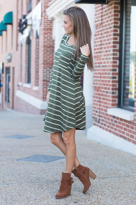 Striped-Green-and-White-Dress Casual Outfits for Women - 23 Cute Dresses for Casual Look