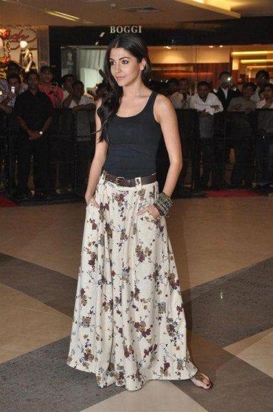 anushka_sharma_palazzos Indian Celebrities in Palazzo Pants-19 Ways to Wear Palazzo Like Them