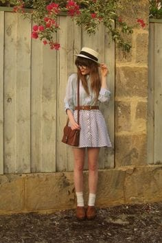 belt-dress Casual Outfits for Teen girls-19 Cute Dresses for Casual Look