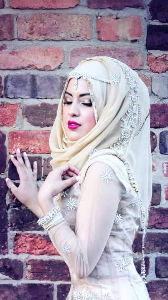 fancy Maang Tikka With Hijab – 17 Ways To Wear Hijab With Maatha Patti
