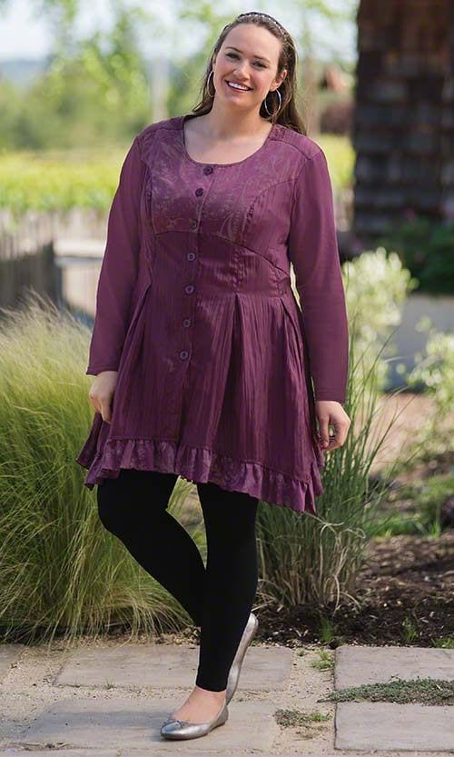 tunics-and-leggings-for-plus-size-ladies Legging Outfits for Plus Size-10 Ways to Wear Leggings if Curvy