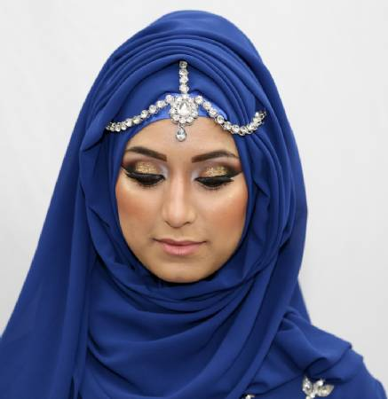 twisted Maang Tikka With Hijab – 17 Ways To Wear Hijab With Maatha Patti