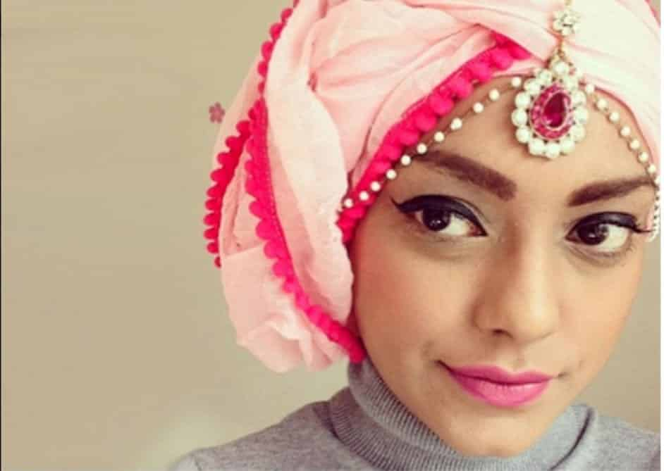 vintage Maang Tikka With Hijab – 17 Ways To Wear Hijab With Maatha Patti
