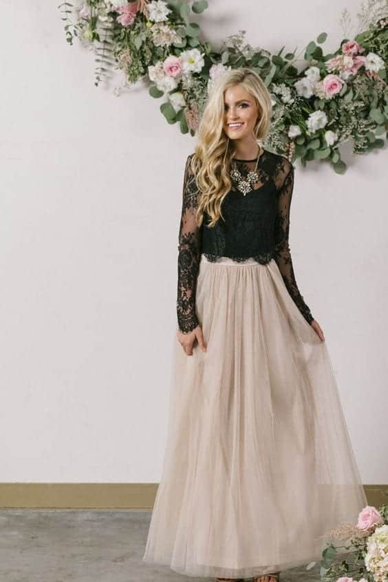 Beige-maxi Outfits for Winter Wedding - 19 Best Winter Dresses for Wedding