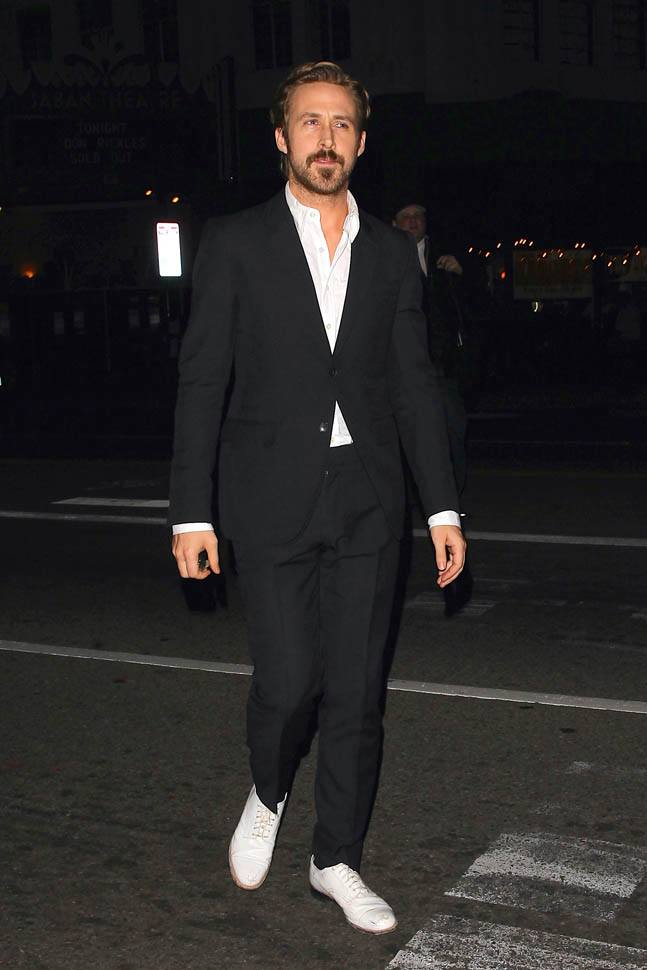 Ryan Gosling in white Oxfords