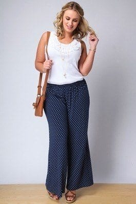 Sunday-casual-style Palazzo Pants for Plus Size–24 Palazzo Outfit Ideas for Curvy Girls