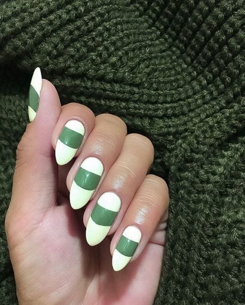 christmas-nail-art-white-color 60 Beautiful White Nail Art Designs and Ideas to Try Now