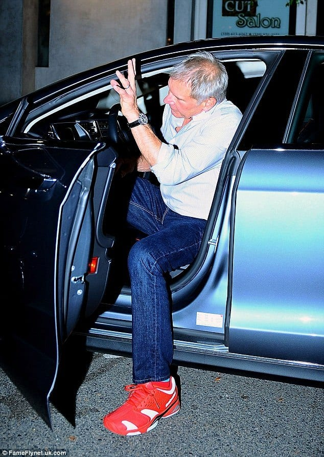 older-men-jeans-and-red-shoes-outfit Red Shoes Outfits For Men-18 Ways to Wear Red Shoes for Guys