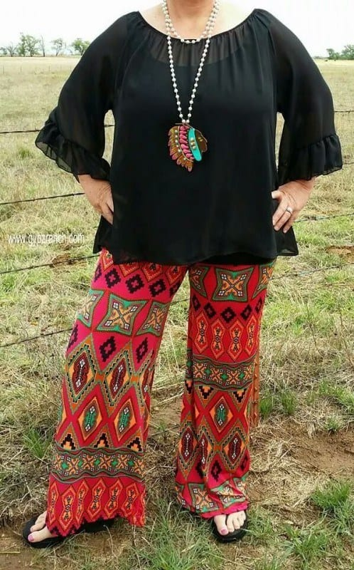 printed-pants Palazzo Pants for Plus Size–24 Palazzo Outfit Ideas for Curvy Girls
