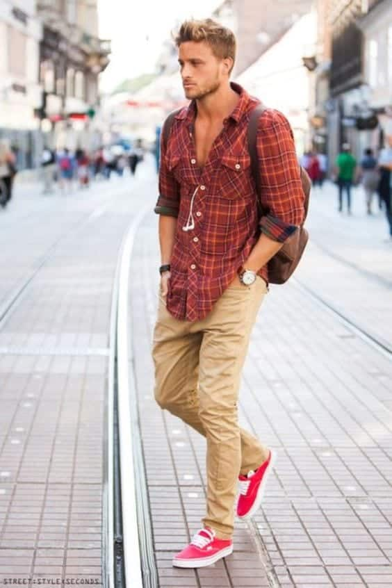 red-vans-2 Men Outfits with Vans-20 Fashionable Ways to Wear Vans Shoes