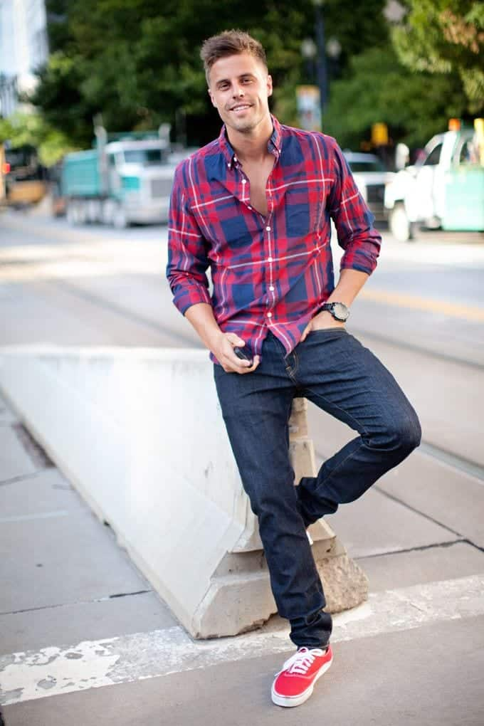 red-vans Men Outfits with Vans-20 Fashionable Ways to Wear Vans Shoes
