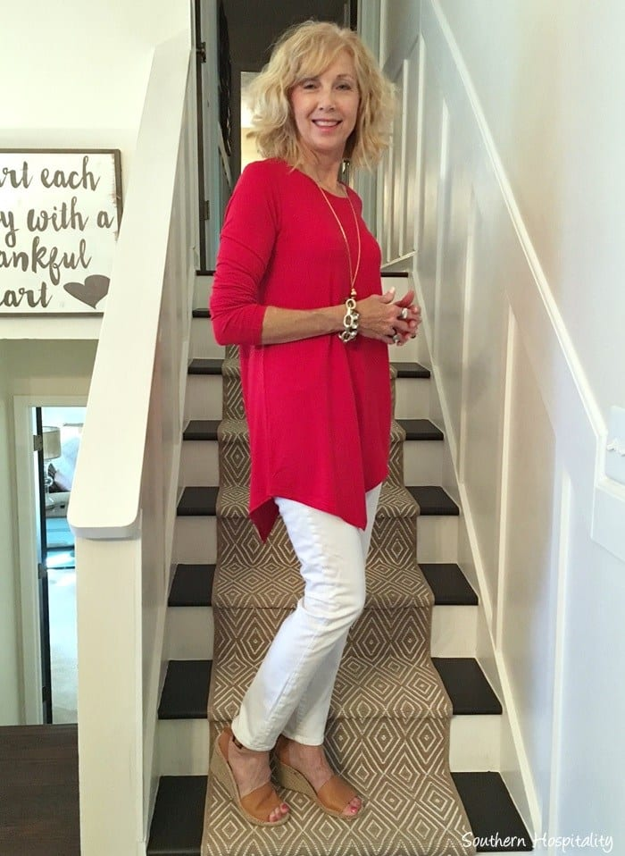 tunics 18 Outfits for Women Over 60- Fashion Tips For 60 Plus Women