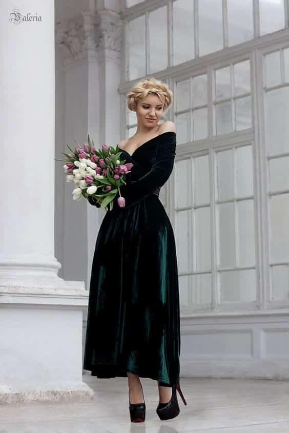 velvet-dress Outfits for Winter Wedding - 19 Best Winter Dresses for Wedding