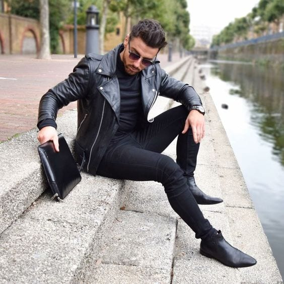 What Hairstyle to Choose with Jeans