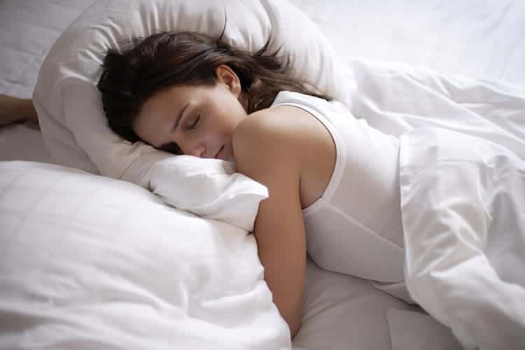Optimize-yuor-sleep-by-changing-your-bedroom-1 20 Habits of Highly Successful Women - Follow These Tips