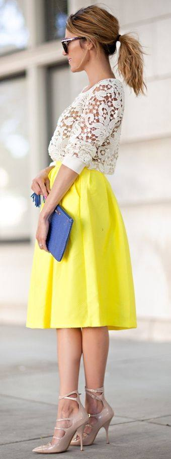 Yellow-Outfit-Ideas-for-Summer-25 Yellow Outfits For Women-14 Chic Ways to Wear Yellow outfits