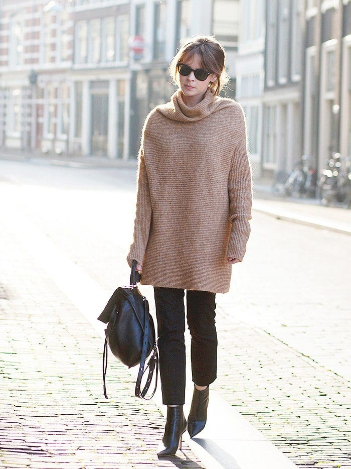 baggy-sweaters-with-crop-pants Women Cropped Pants Outfits- 17 Ideas How To Wear Crop Pants