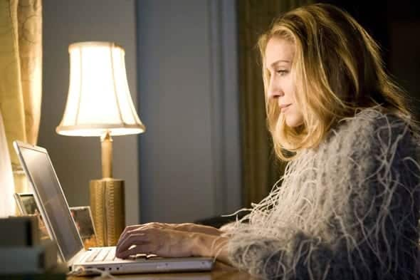 carrie-bradshaw-writing 20 Habits of Highly Successful Women - Follow These Tips