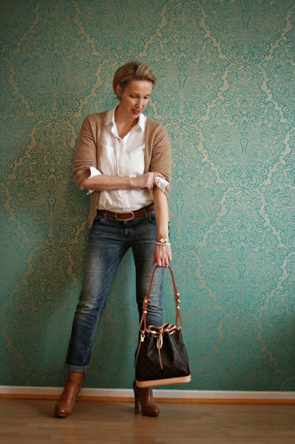 Office Style For Women Over 50– 18 Elegant Work Wear Outfits