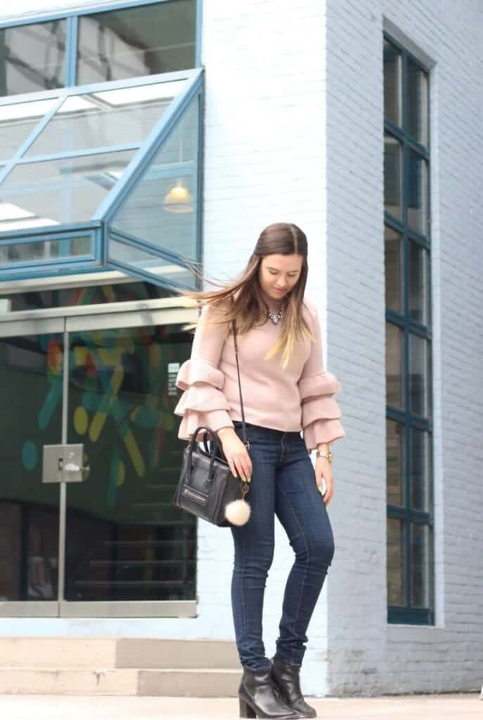 how-to-wear-ruffles-style-panel-05-768x1145-687x1024 Outfits with Ruffle Tops- 15 Ideas How To Wear Ruffle Tops