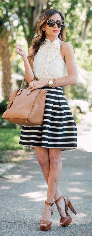 howtowearruffledtops19 Outfits with Ruffle Tops- 15 Ideas How To Wear Ruffle Tops