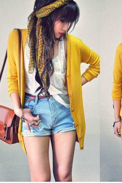 howtowearyellowclothes15 Yellow Outfits For Women-14 Chic Ways to Wear Yellow outfits