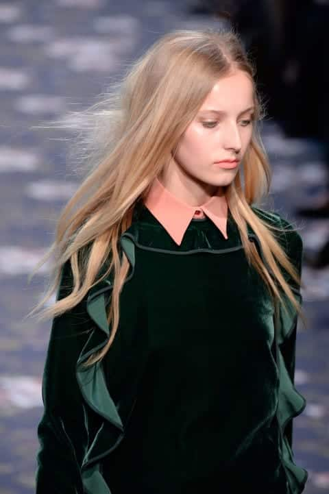 rochasruffles Outfits with Ruffle Tops- 15 Ideas How To Wear Ruffle Tops