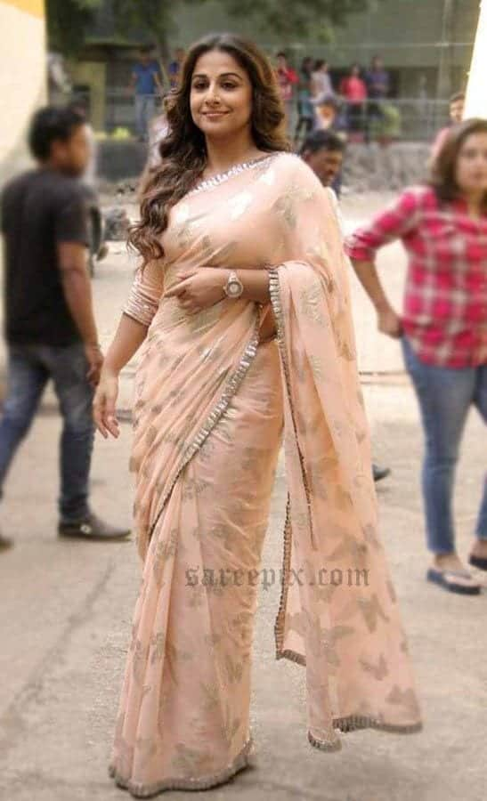 simple-and-stylish How to Wear Saree for Plus Size–16 Saree Tips for Curvy Ladies