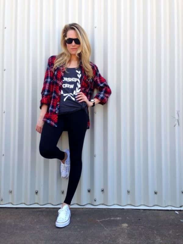 sneakers2 Outfits with Black Leggings – 21 Ways to Wear Black Leggings