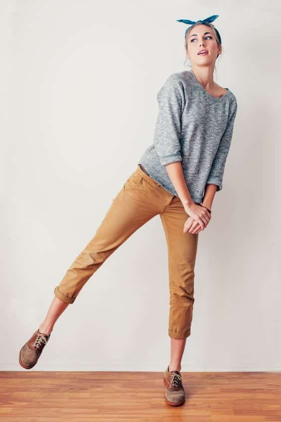 Women Khaki Pant Outfits- 20 Ways Girls can Wear Khaki Pants