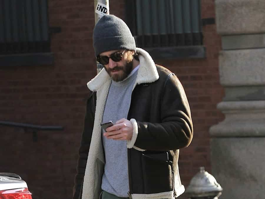 How-to-wear-a-beanie-with-sunglasses How to Wear Beanie Guys - 15 Ways to Rock Beanie for Men