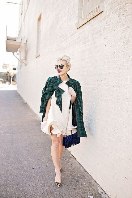 flannel-outfit-with-velvet-bag Outfits with Velvet Bags- 20 Ideas to Wear with a Velvet Bag