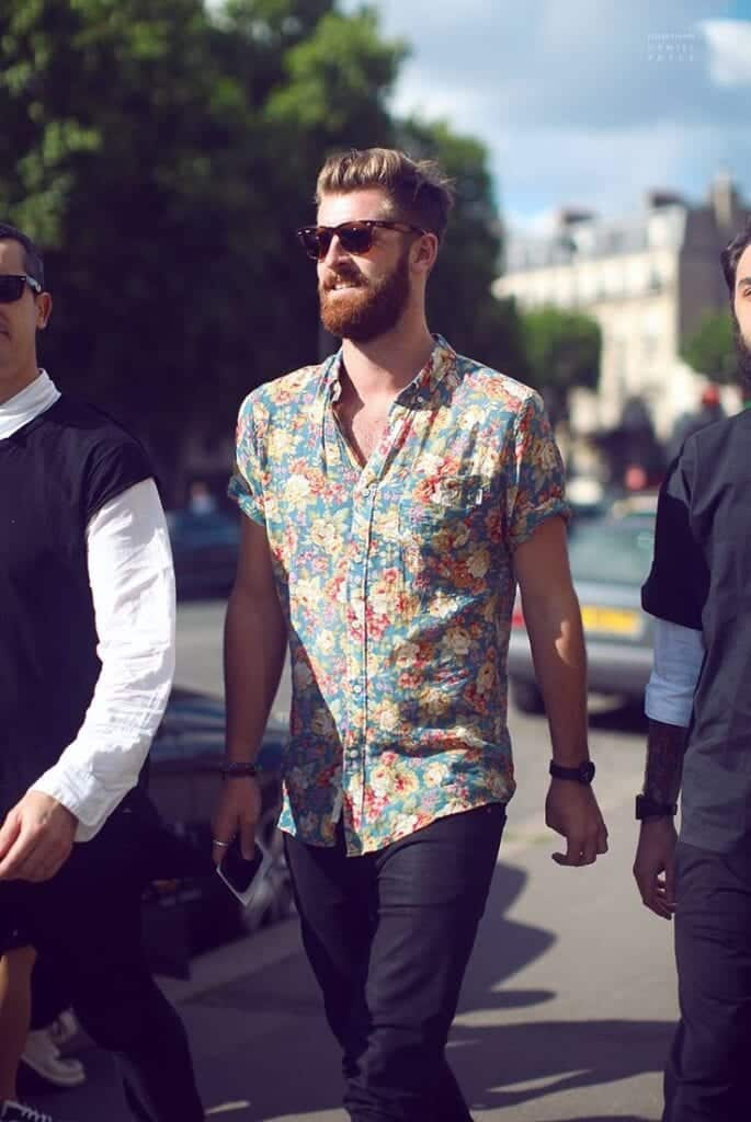 how to wear a floral shirt outfit for men (27)