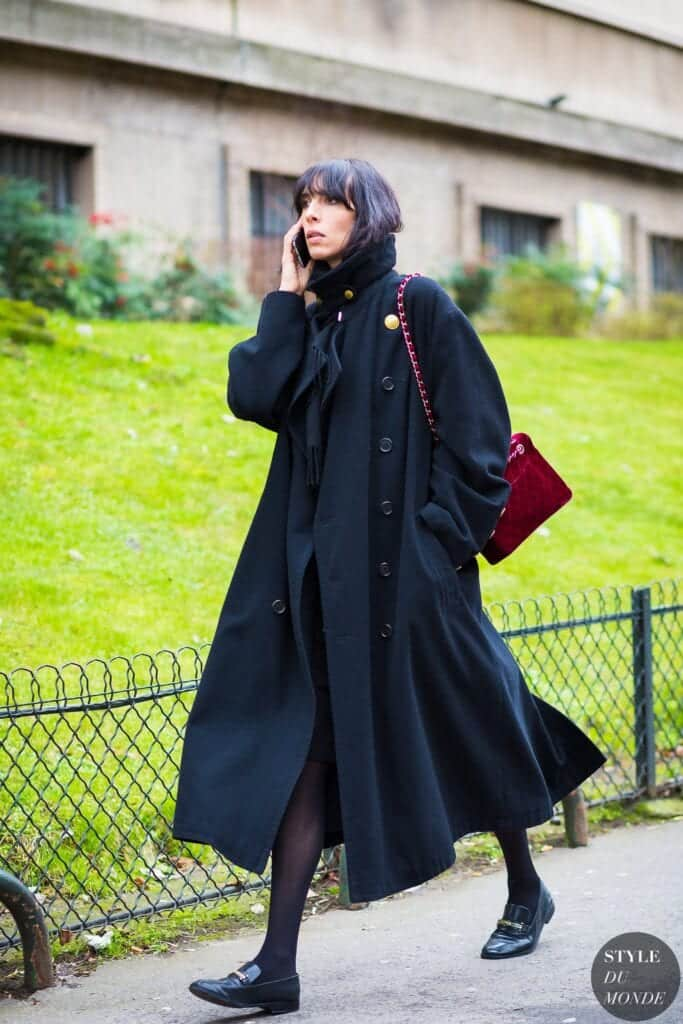long-coat-with-velvet-bag-683x1024 Outfits with Velvet Bags- 20 Ideas to Wear with a Velvet Bag