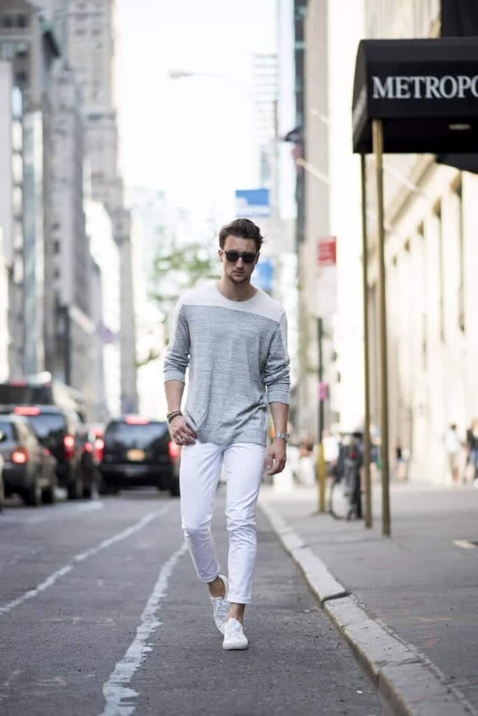 what-shirt-to-wear-with-white-jeans-684x1024 White Jean Outfits for Men-Top 25 Ideas for White Jeans Guys
