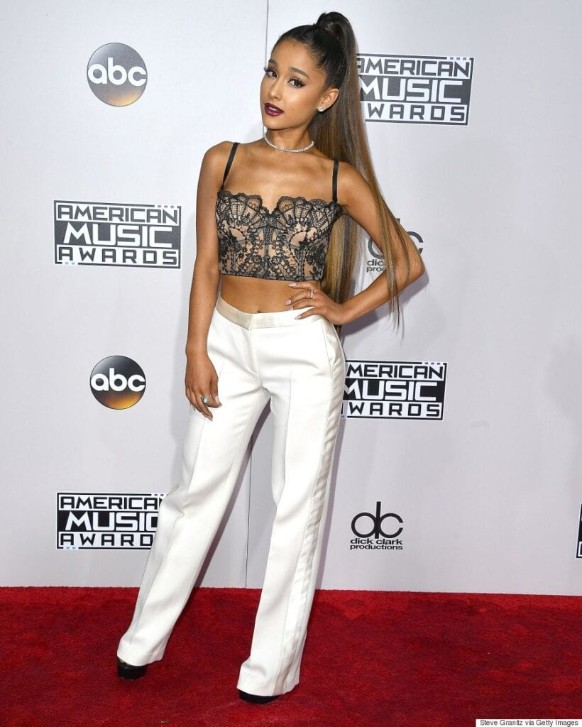 Ariana-Granade-Wearing-Palazzo-Pants-With-A-Lace-Top-820x1024 20 Ideas How to Wear Palazzo Pants if You Have a Short Height