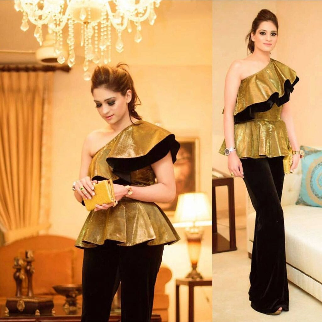 Cute-Black-And-Gold-Palazzo-Outfit-1024x1024 20 Outfit Ideas to Wear Short Shirts with Palazzo Pants