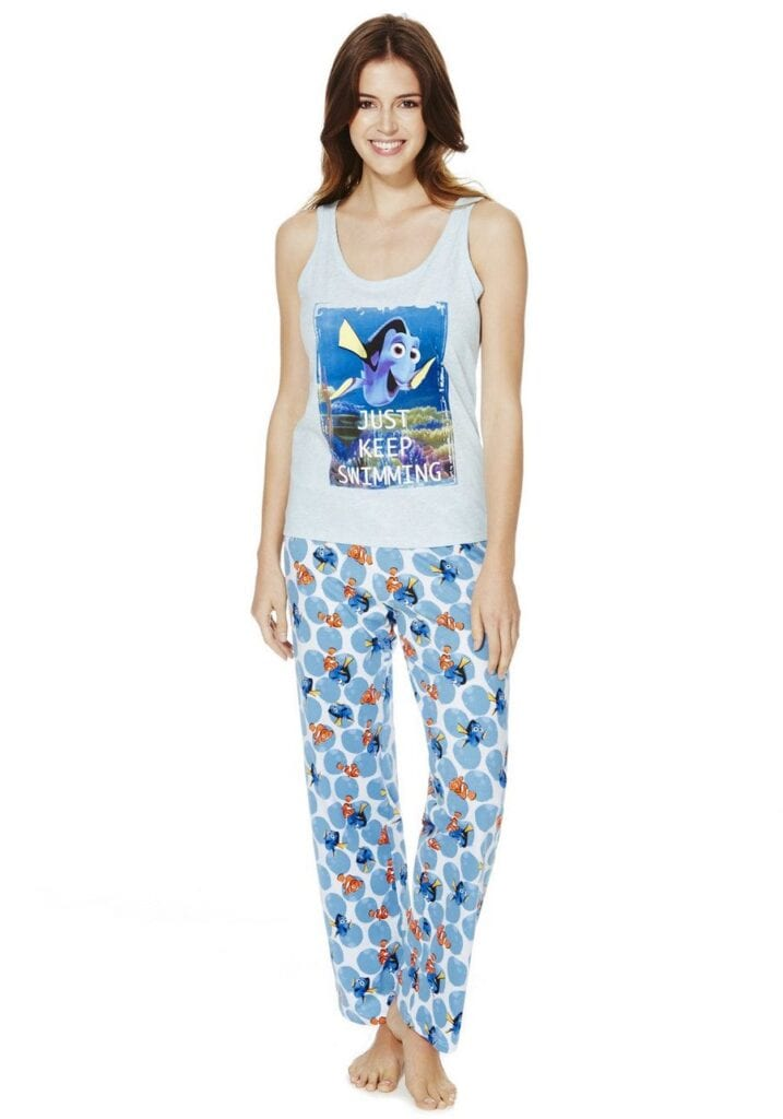 Disney-Inspired-Tank-Top-With-Sweats-717x1024 Girls Summer Home Wear-33 Best Ideas on What to Wear at Home
