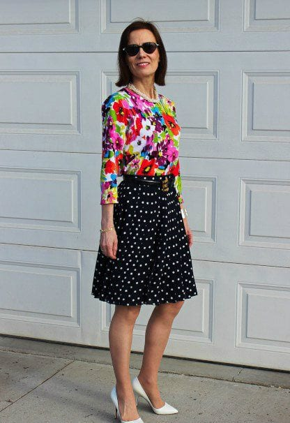 Polka-dots-midi-skirt 30 Best Summer Outfits for Women Above 50 - Style Tips