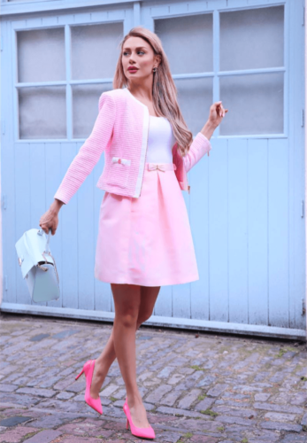 Screen-Shot-2017-06-02-at-8.57.28-PM-347x500 Outfits with Pink Skirts-30 Ideas How to Wear Hot Pink Skirts