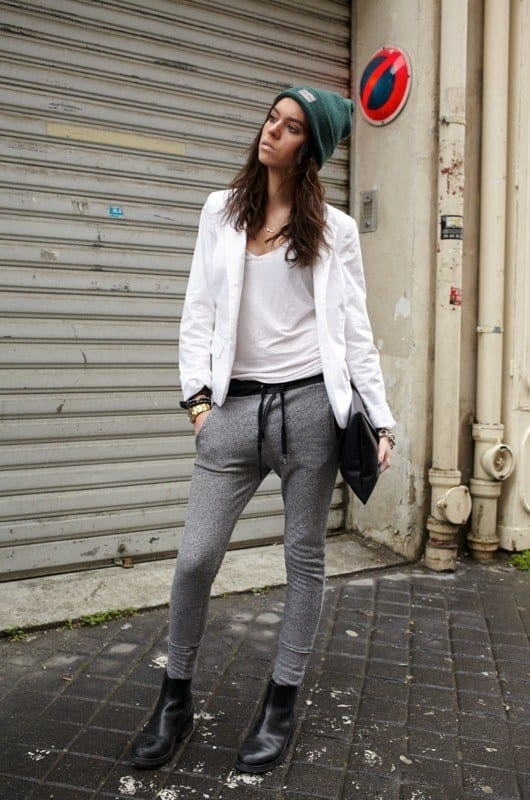Sweatpants-With-Boot-For-a-Chic-Look Shoes with Sweatpants-20 Shoes Women Can Wear With Sweatpant
