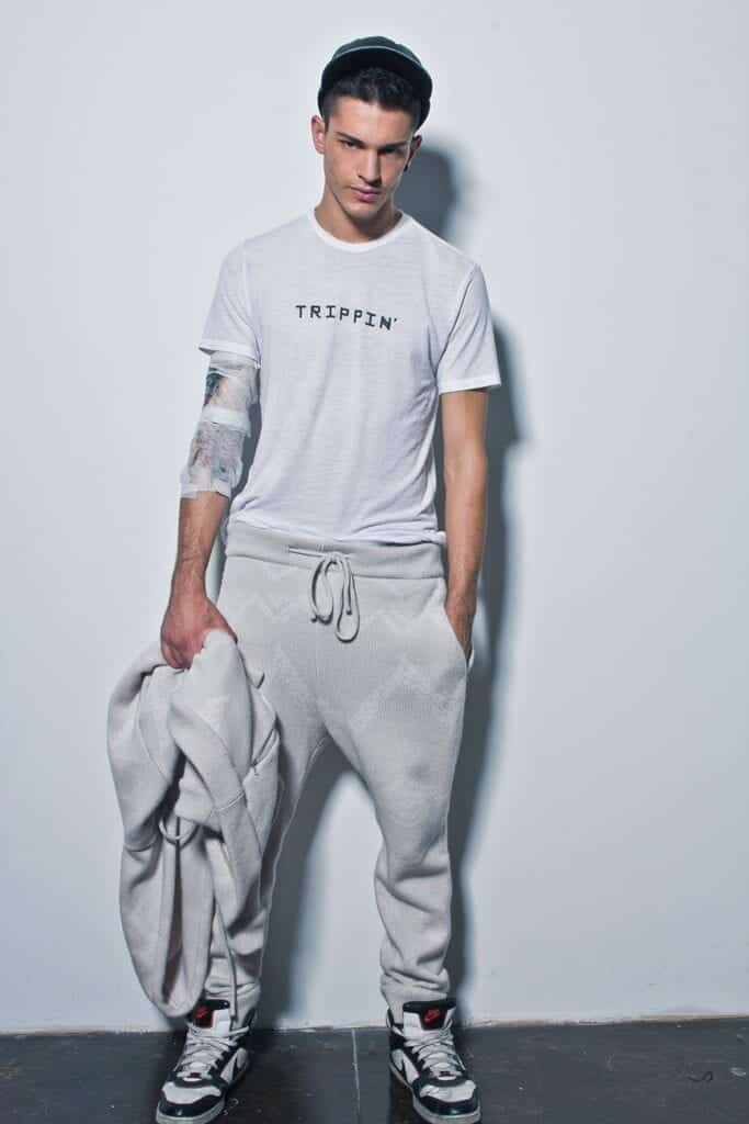 Sweatpants-With-Nike-Joggers-For-Men-683x1024 Men's Sweatpants Shoes-20 Shoes To Wear With Guys Sweatpants