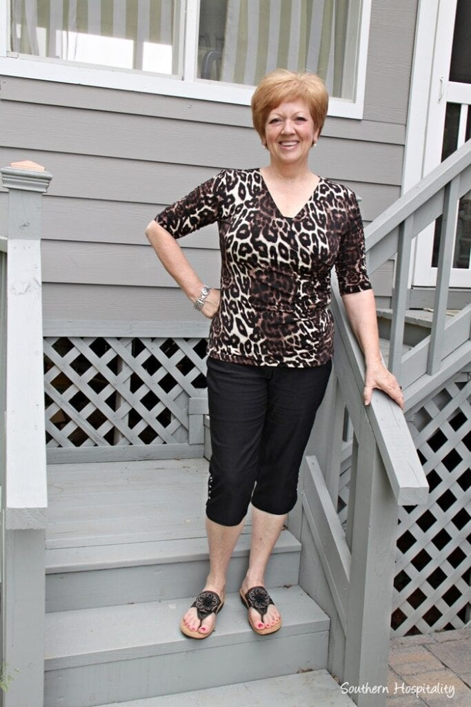 animal-print-shirt-and-cropped-pants-683x1024 30 Best Summer Outfits for Women Above 50 - Style Tips