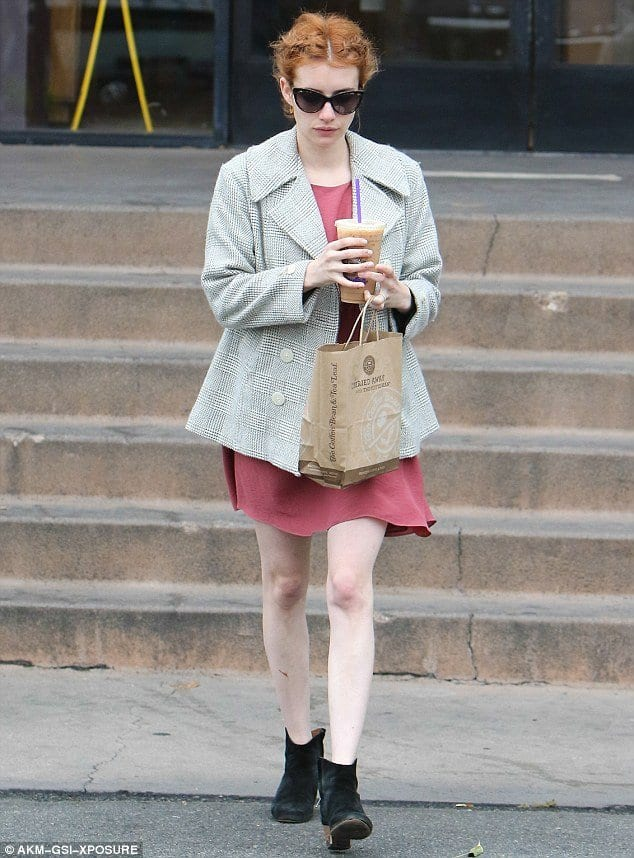 emma-Roberts-winter-causal 20 Best College Hairstyles for Girls with Medium Length Hair