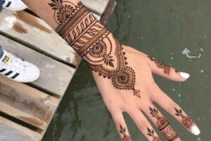 latest henna tattoo ideas (37)