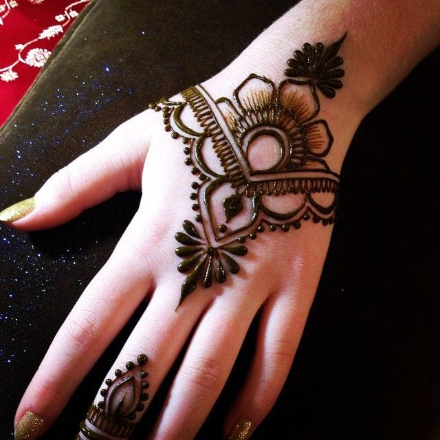 latest henna tattoo ideas (30)