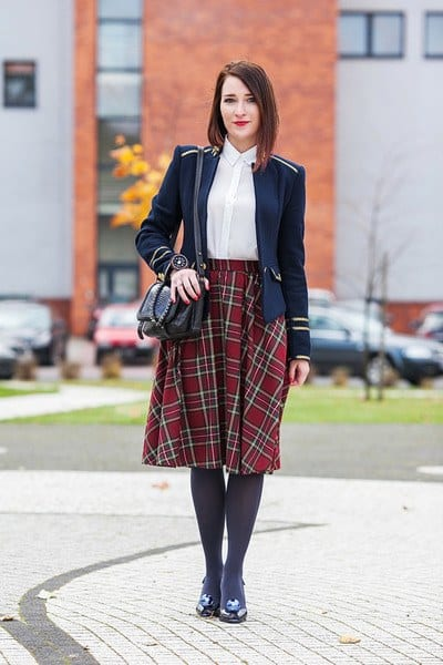 midi-skirt-and-leggings College Girls Dressing–18 Ideas & Tips to Dress Well in College