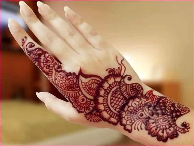 Mehndi Back Tattoo Designs : Trending mehndi designs latest henna tattoo ideas for